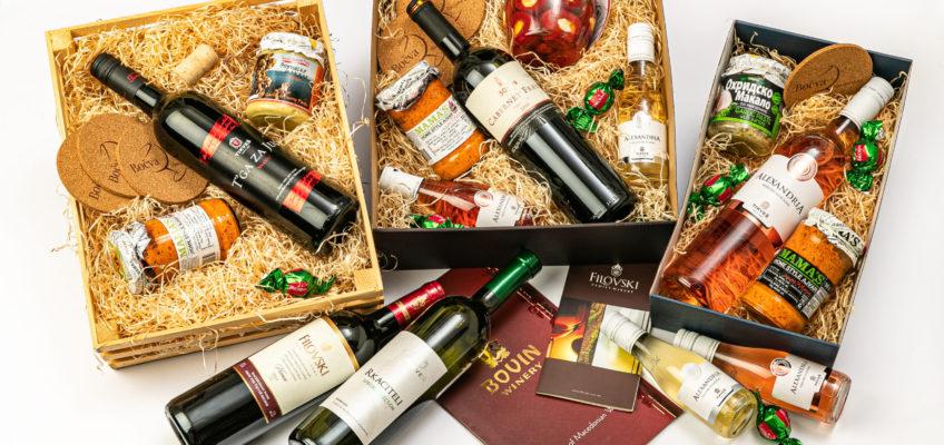 Dárkové balíčky s vínem plným sluncem a makedonskými specialitami
